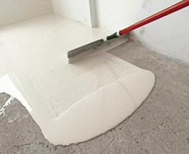 Как заливать полы в квартире? Фото и видео