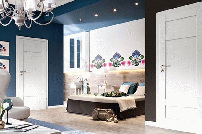 Шпонированные двери в спальне