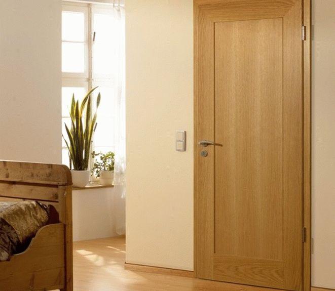 Шпонированные дубом двери