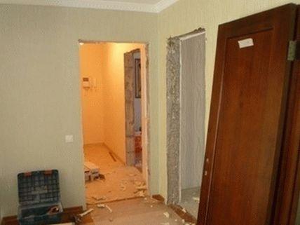 Обновленная дверь ожидает установки