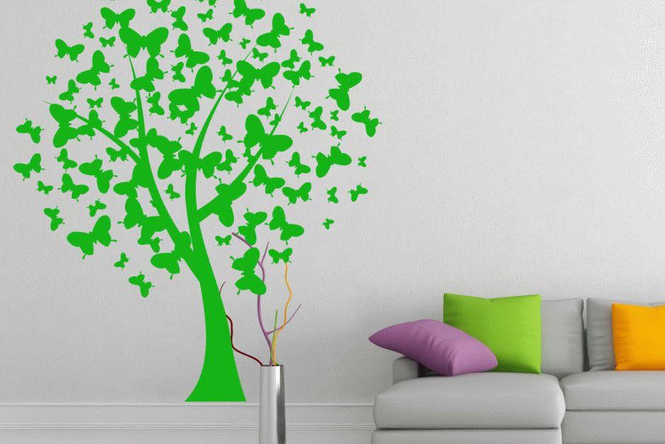 Декоративная наклейка на стене