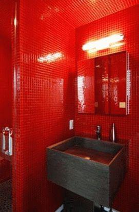 красный цвет в интерьере ванной комнаты 109
