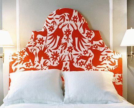 Распределение красного и белого цветов в интерьере спальни