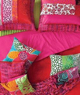 цвет цикламен сочетается с яркими цветами