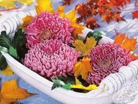 украшение стола композициями из цветов 11
