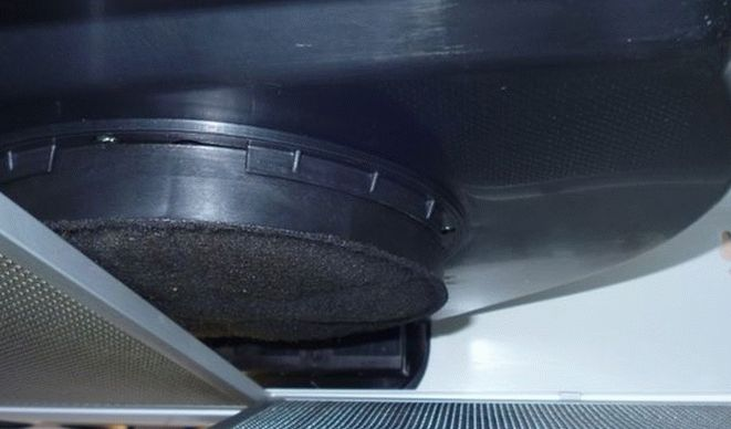Угольный фильтр в вытяжке