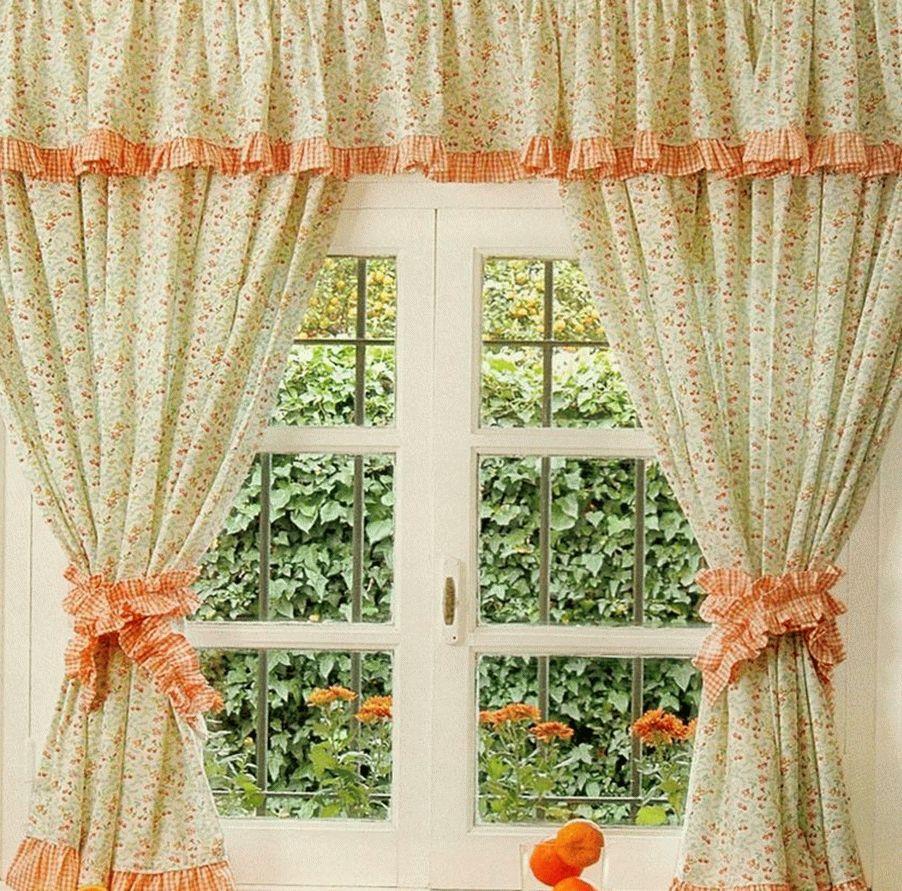 Красивые шторы на окне
