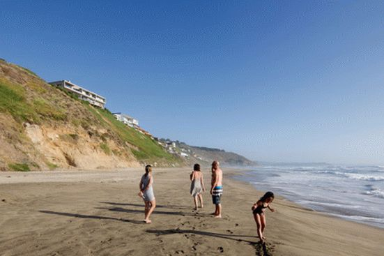уединенный особняк на побережье чили14