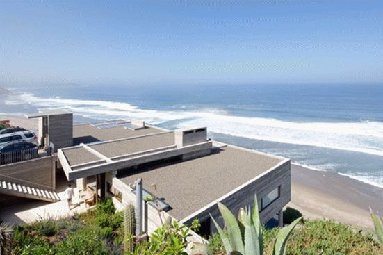 уединенный особняк на побережье чили2