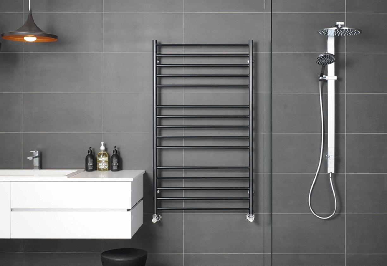 Полотенцесушитель в интерьере ванной комнаты