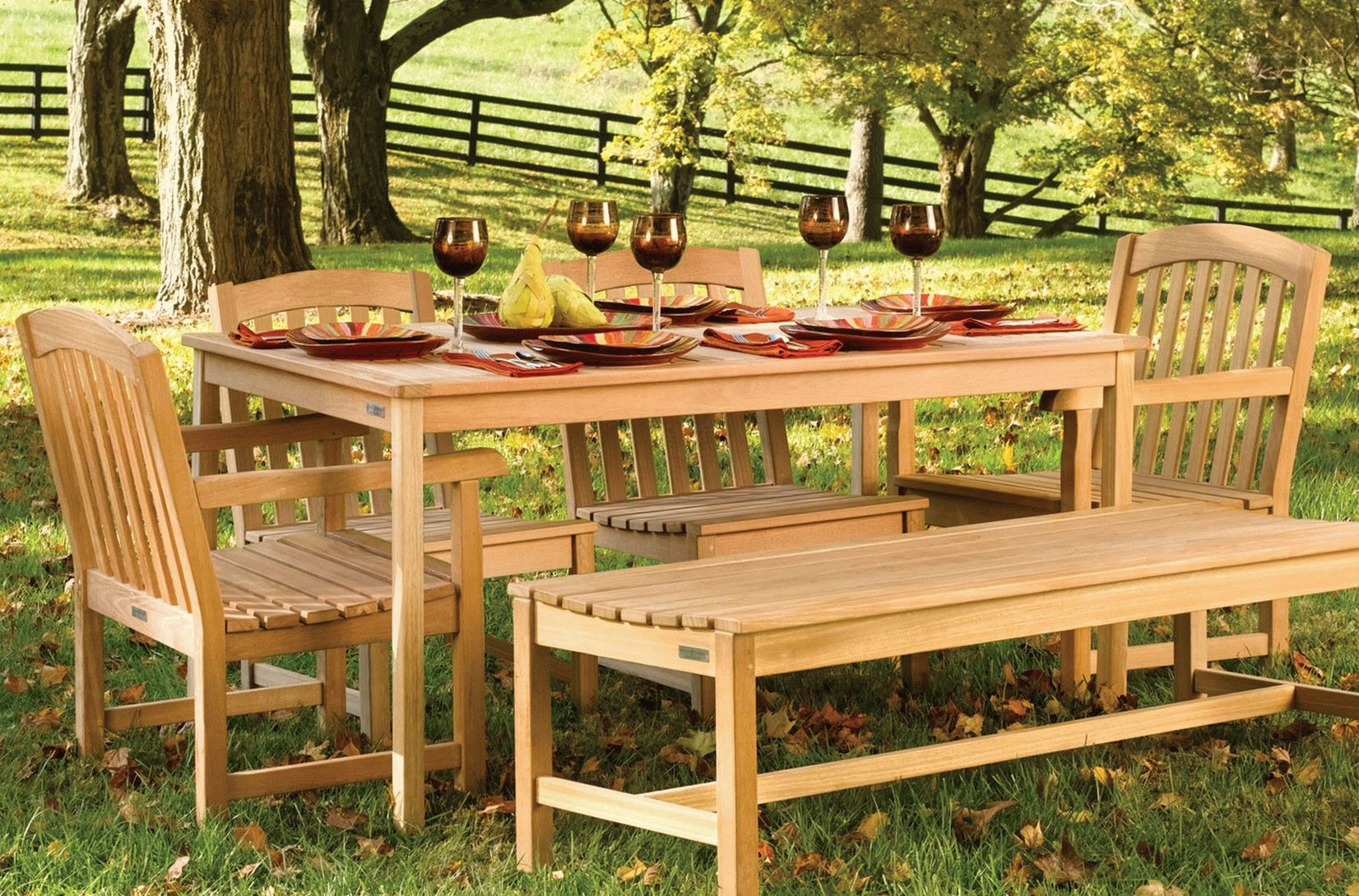 Садовая мебель на фото