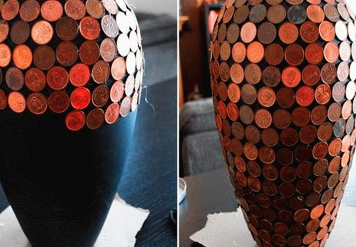 Декор вазы для цветов монетами выполняется очень просто