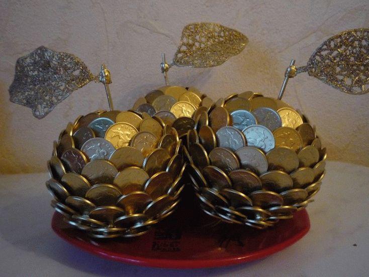 Поделки из 10 копеечных монет распространены
