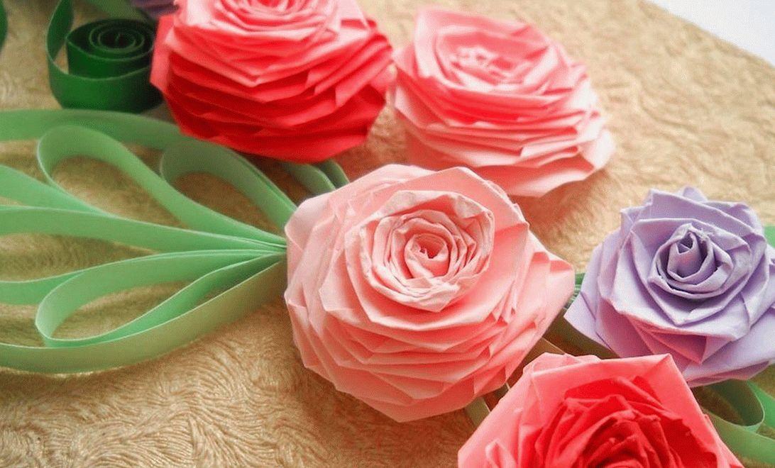 Цветы из туалетной бумаги выглядят красиво и оригинально