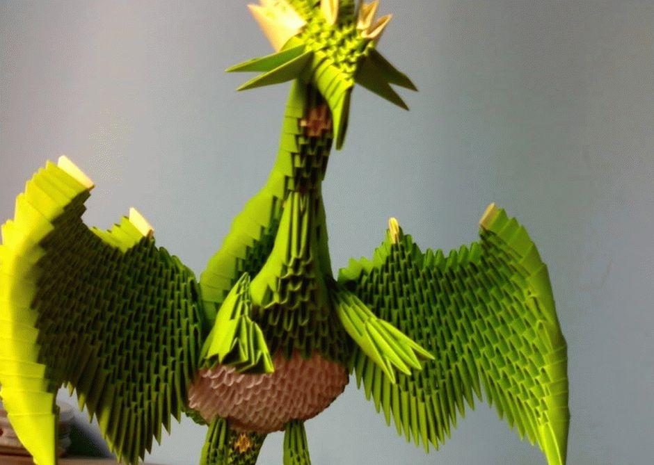 Процесс создания дракона из бумаги требует усидчивости и внимания