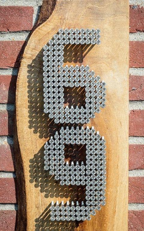 Номер - табличка для дома из доски и саморезов