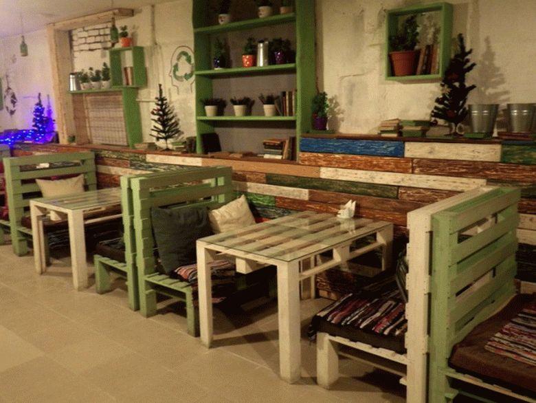 Мебель для кафе из паллет