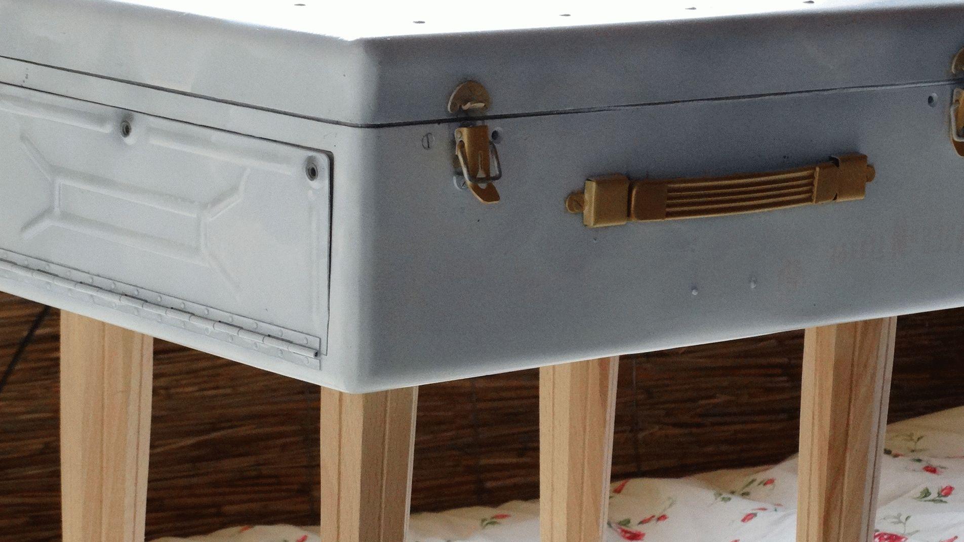 Стол-чемодан