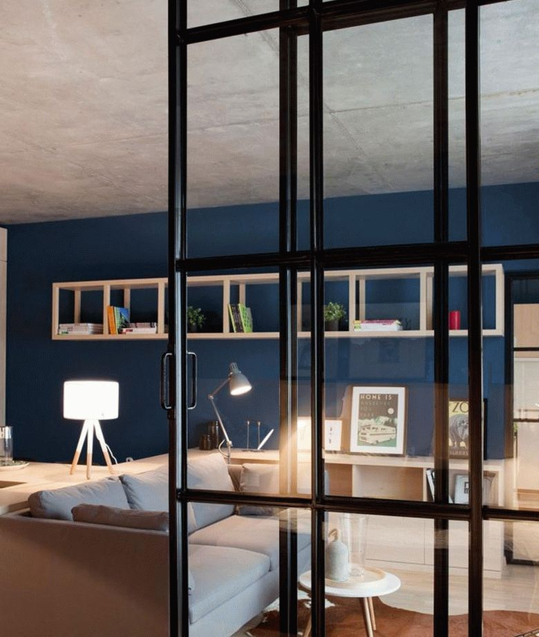 Передвижные перегородки позволяют легко изменить конфигурацию комнаты
