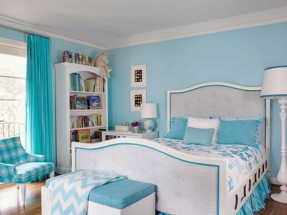 Декор спальни в бирюзовых тонах