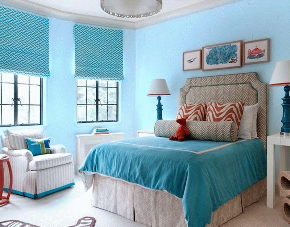 Спокойная атмосфера спальни в бирюзовом цвете