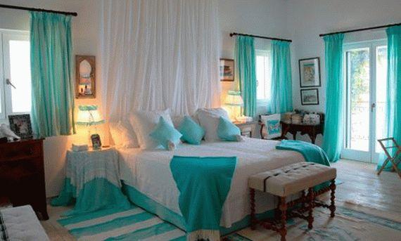 Сказочный дизайн спальни в бирюзовых тонах