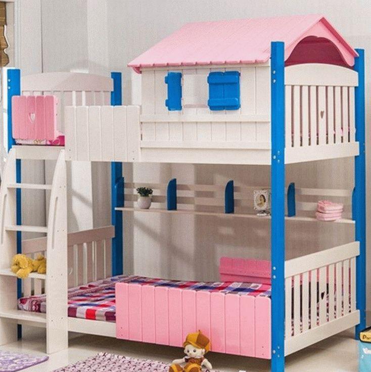 Двухъярусная кровать для двух детей в виде домика