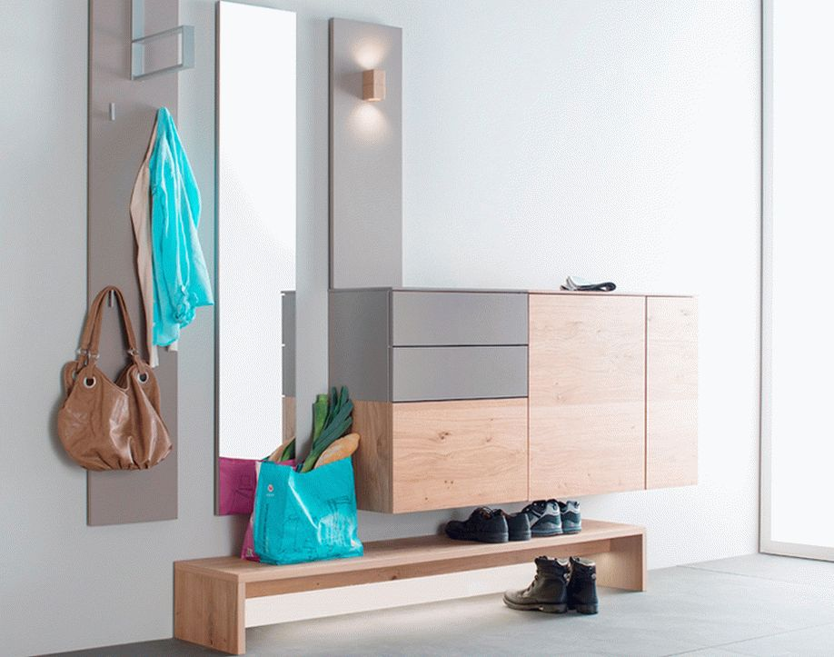 Мебель для маленькой прихожей в современном стиле