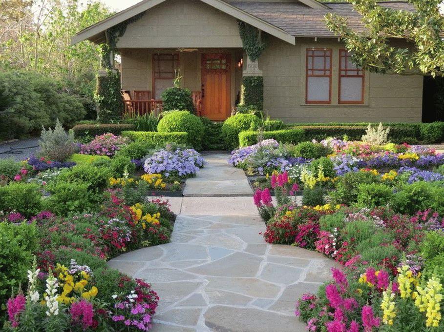Дачный сад в цвету
