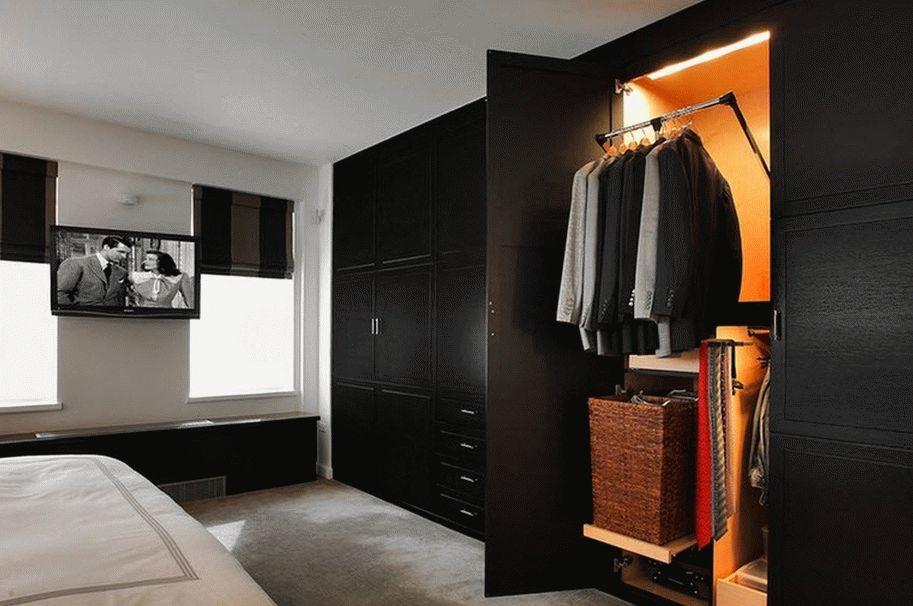 Шкаф-гардеробная в спальне